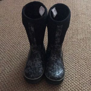Black and gray waterproof boots!